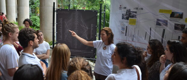Presenting the timeline to students