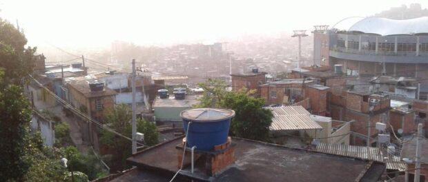 Cable car suspended in Alemão. Photo by Aline Santos