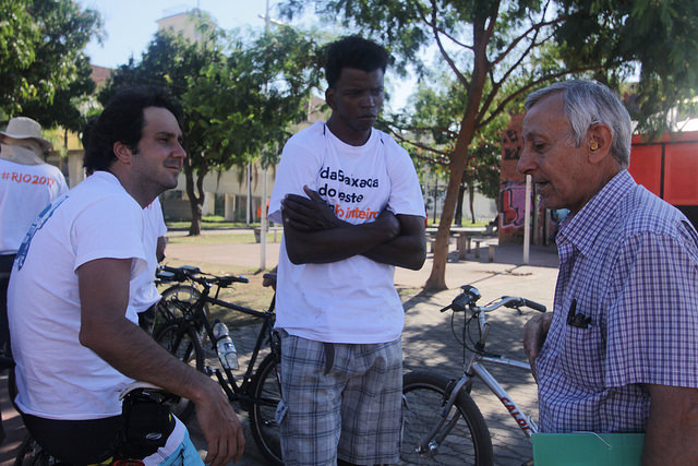 Carlos Leandro, center, on the Casa Fluminense bike tour of metropolitan Rio
