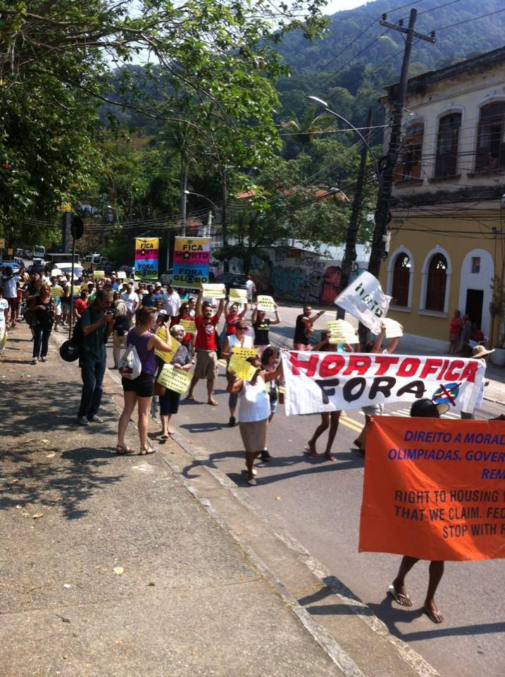 Horto protest. Photo from Mídia1508 Facebook page.