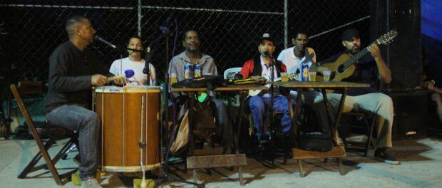 Maurício Monteiro and his samba group