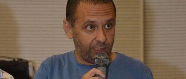 Fransérgio Goulart of the Manguinhos Social Forum speaks at UrbFavelas