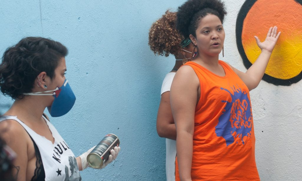 Viviane Laprovita delivers graffiti training.