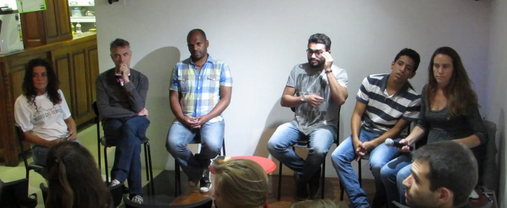 From left to right: Sandra Maria, Dom Phillips, Leonardo Custódio, Raull Santiago, Michel Silva, and Theresa Williamson.