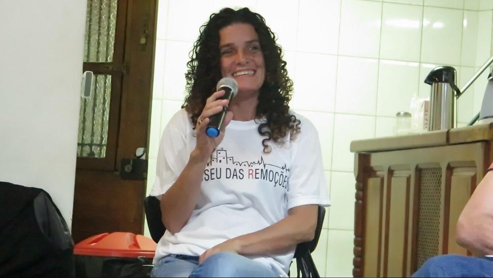 Sandra Maria, moradora da Vila Autódromo.