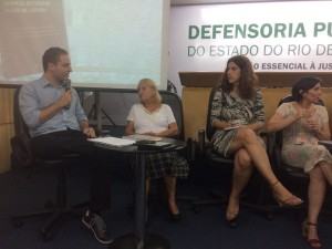 """""""I was able to conduct a study about the umbilical coherence between the editorials and news promulgated by O Globo and the strategies adopted by the City government,"""" criticizes Alexandre Mendes."""
