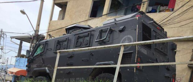 'Caveirão' armored tank used in favela operations. Photo from the Ocupa Alemão Facebook page.