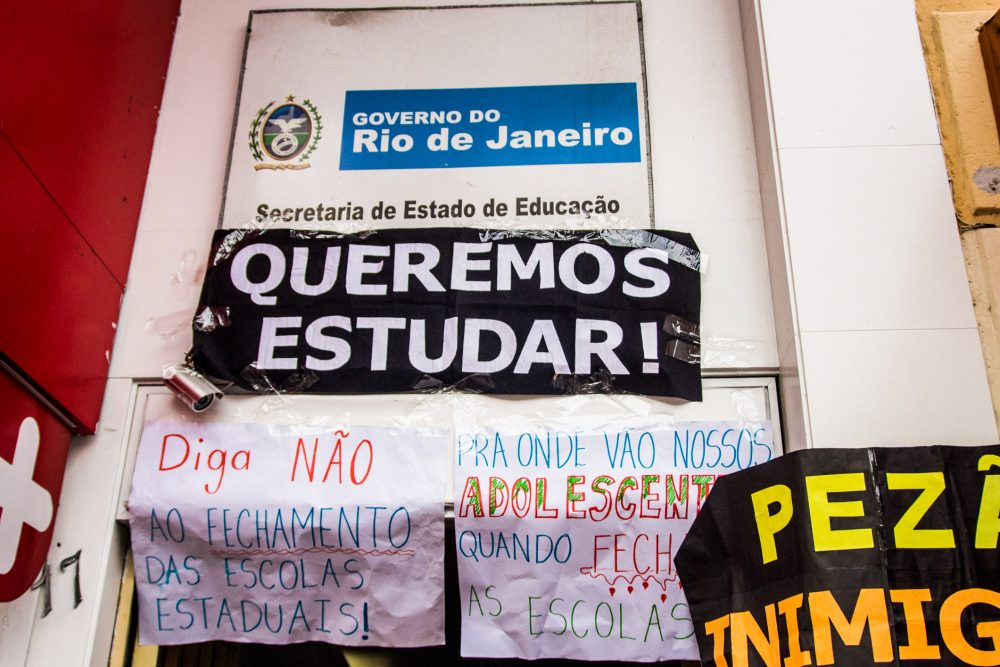Door of Occupied School in Rio. Source: Centro de Mídia Independente