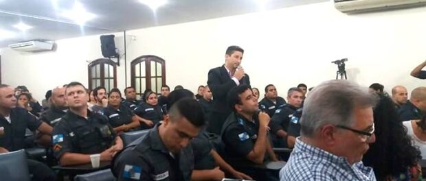 A police officer suggests that residents film drug traffickers as well as the police.