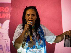 Rosilene, Eduarda's mother, shows Eduarda's photos and awards. Photo by Bentto Fábio