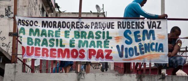 Protesto na Maré contra violência e criminalização dos moradores em 2013. Foto: Reynaldo Vasconcelos/Futura Press