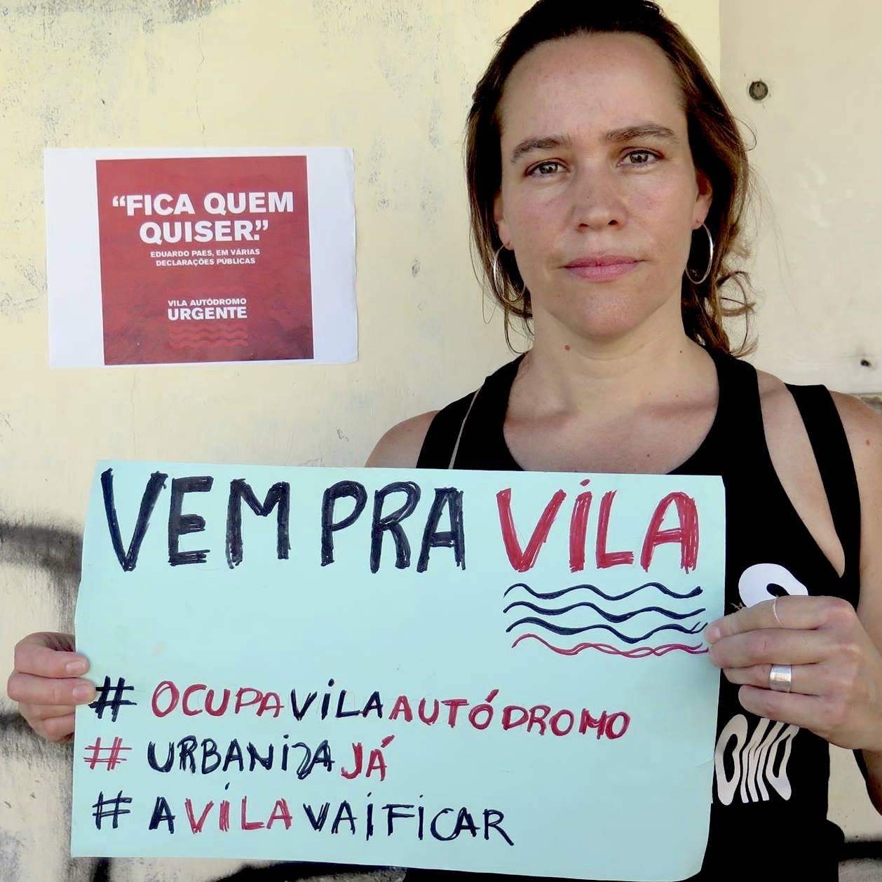 Theresa Williamson in Vila Autódromo supporting campaign for upgrades not evictions