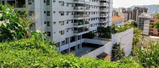 Luxury Atrium Residences and Lofts condominium completed in 2014.