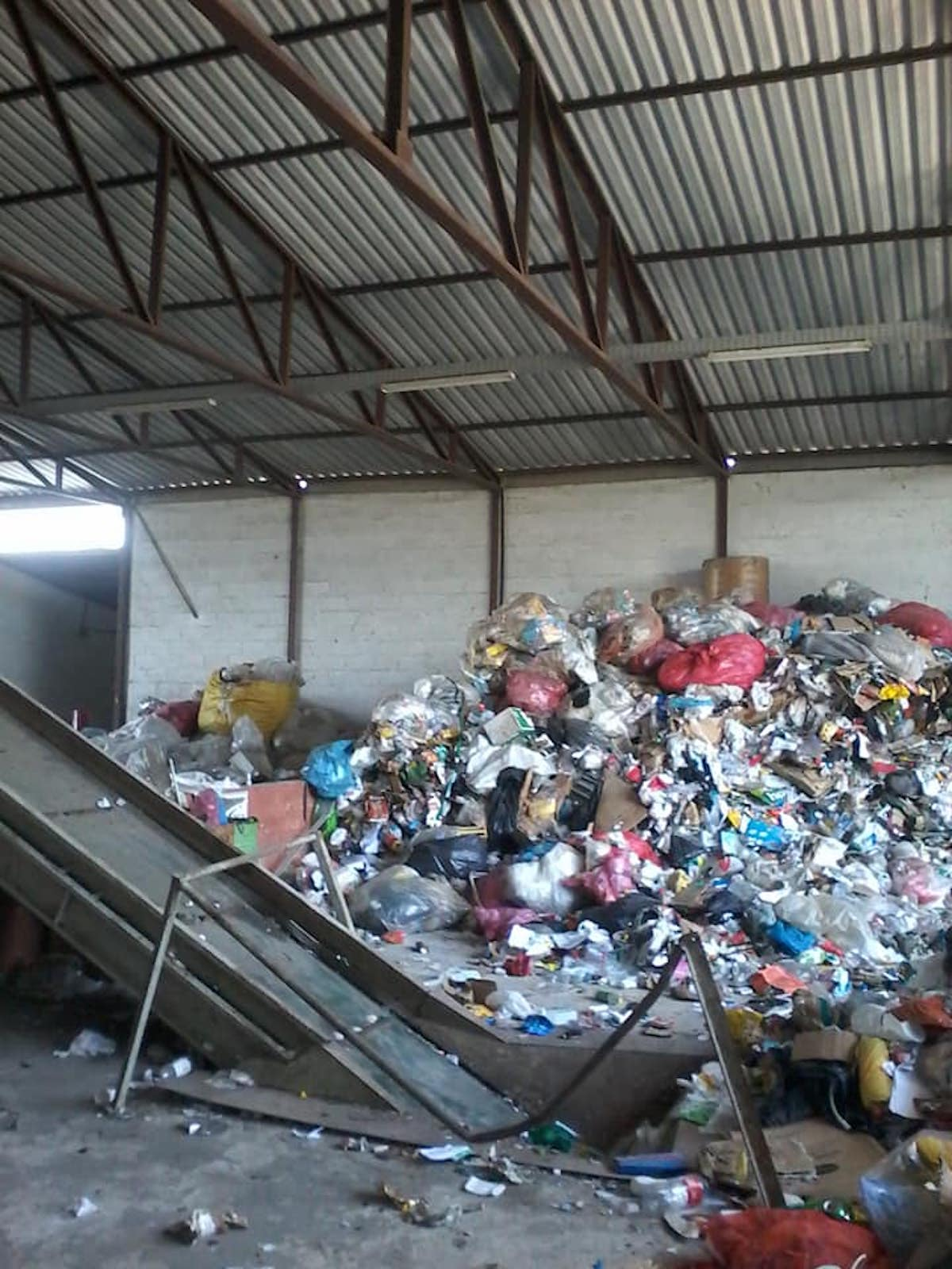 Brazil's National Solid Waste Policy and its Inadequacies in