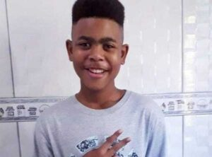 João Pedro Matos Pinto was indise a family member house when he was shot, killed, and had his body abucted by the police, with no information being given to his parents. Photo: Twitter Ponte Jornalismo