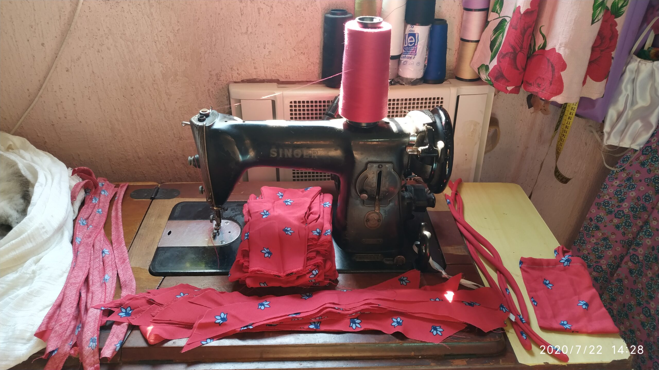 Sewing station by Valdirene Militão