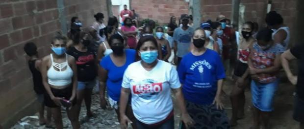 Woman of Favela de Itacolomi
